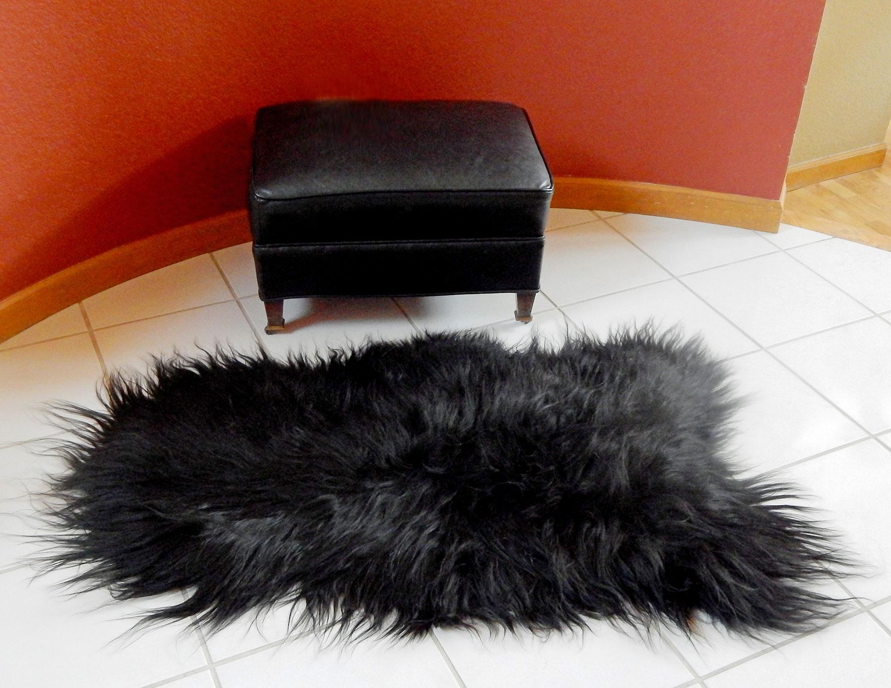 Icelandic Sheepskin Pelt Rug Black